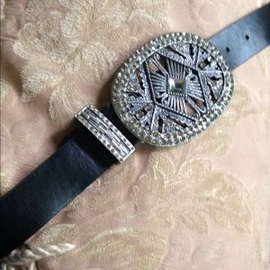 Gorgeous Chicos brand belt